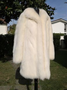 Stunning white Arctic fox fur  luxury 'pelzmantel fourrure weiss fuchs'
