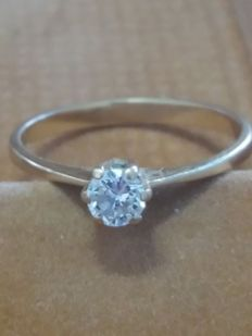 Solitary diamond ring 19.2k - size 11