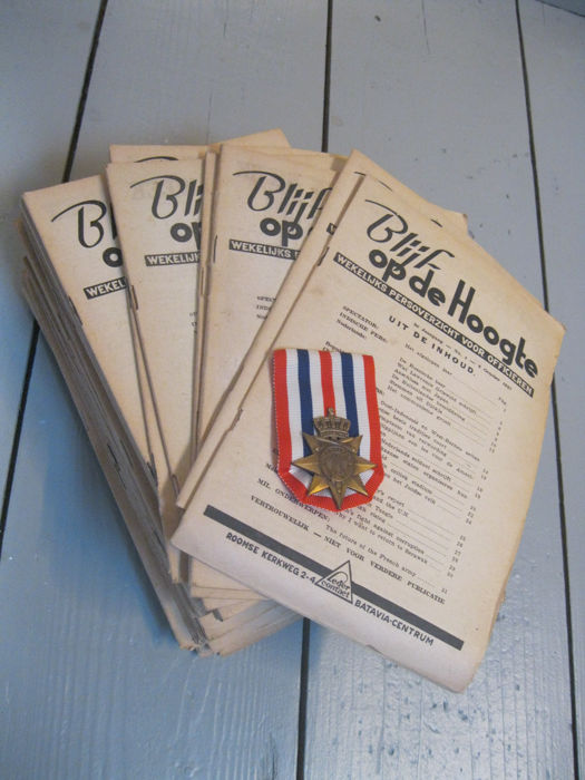 38 x magazine for officers of the KNIL + Medal Award for order and peace