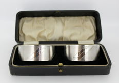 A pair of silver napkin rings - C T Burrows & Sons - Birmingham - 1936
