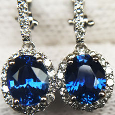 2.10ct Sapphire and Diamond Earrings made of 18 kt white gold - Length of Earrings: 25mm - NO RESERVE -