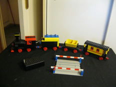 MOC train from the 1970s with track crossing