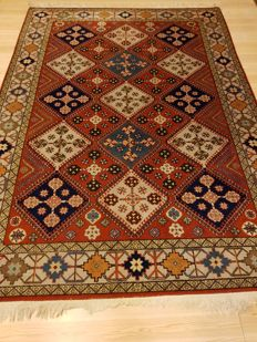 Persian carpet Arad, 240 x 174 cm.