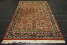 Luxurious handwoven oriental carpet, Indo Bijar Herati with medallion, 175 x 245 cm, made in India