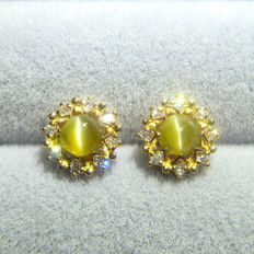18K yellow gold earrings with 0.91ct of cat's eye and 0.133ct of diamond
