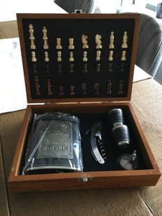 Chess set - Jack Daniel's - in very good condition / new