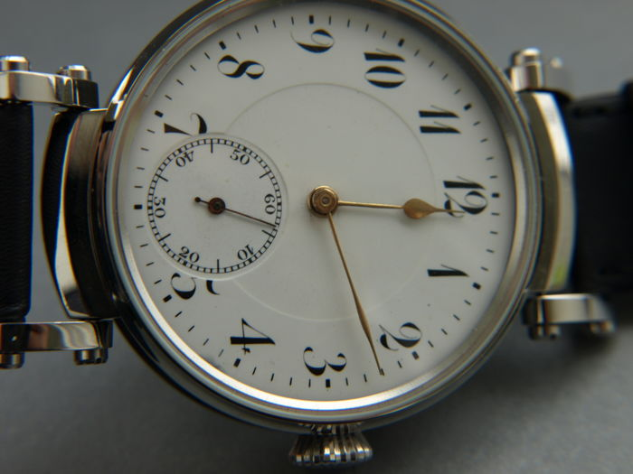 16. Ancre men's wristwatch between 1905-1910