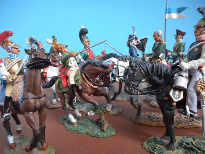Cavalry of the Napoleonic Wars: Lot of ten hand-painted figures on horseback - DelPrado scale 1:30