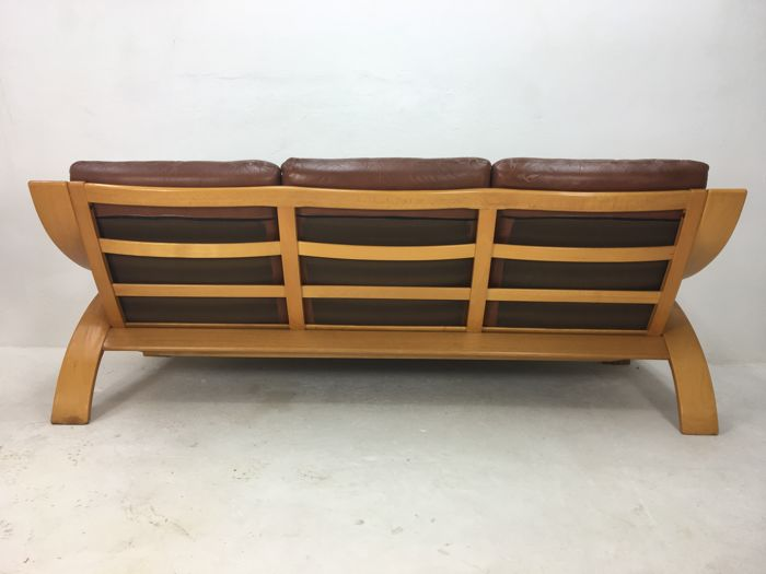 coja three seat sofa with a wooden frame and leather cushions catawiki. Black Bedroom Furniture Sets. Home Design Ideas