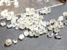 Lot of Natural rough Diamond crystals - 8.03 ct (total)