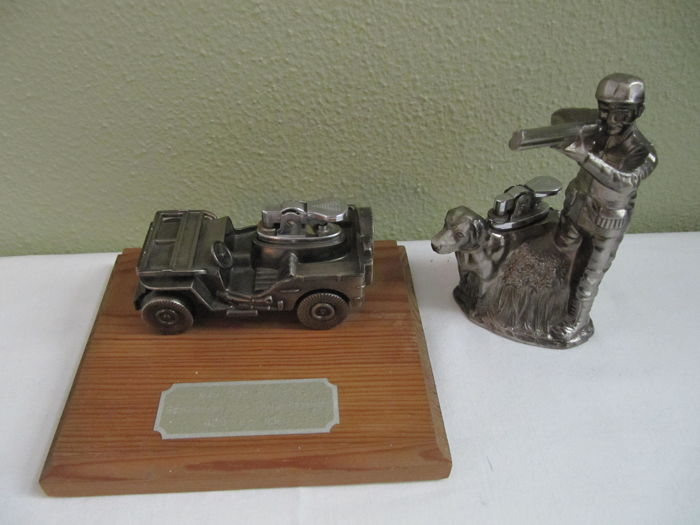 Army Jeep lighter Transport Group and shooter with dog lighter