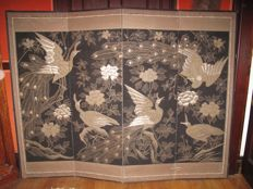 Silk an Silver Thread Embroidered Japanese Screen,Decorated with peacocks - Japan - ca. 1900 (Meiji period)