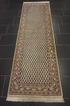 Magnificent hand-knotted Persian carpet, Sarouk Mir, runner, 80 x 250cm, made in India, great highland wool