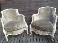 Very nice reissue of a pair of wing chairs Louis XV