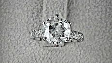 2.69 Ct round diamond ring made of 14 kt white gold - Size 5,5