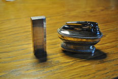 Duo of lighter Must of Cartier and table lighter Ronson Queen Anne