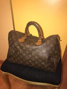 Louis Vuitton – Speedy 35 bag