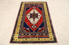 Hand-knotted Turkish carpet approx. 189 x 116 cm