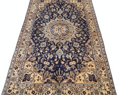 Beatiful and Unique Hand Knotted Iranian Vintage Nain Carpet Rug 204 cm x 113 cm