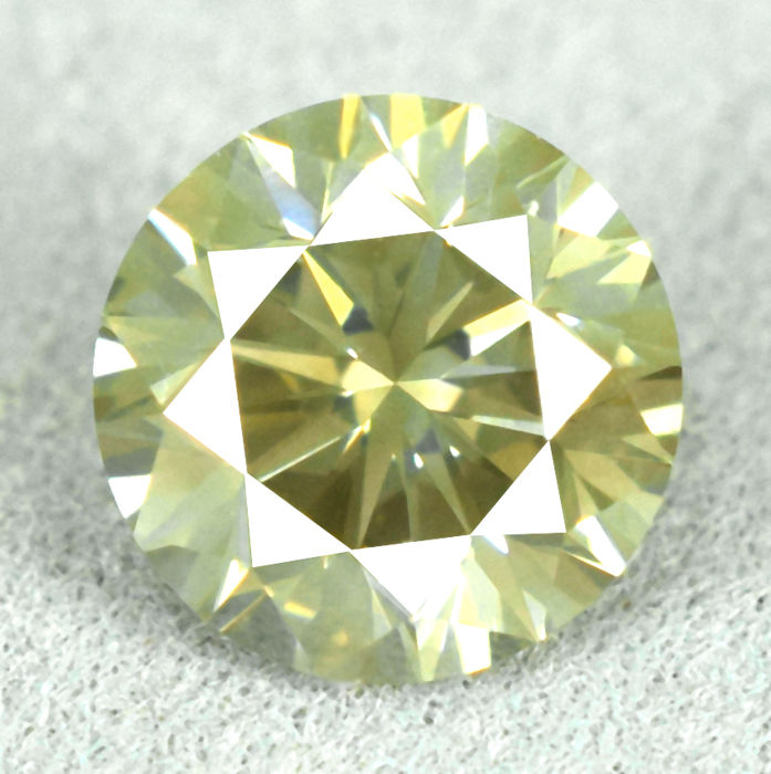 Diamond - 1.14 ct, Si1 - natural fancy intense greenish yellow