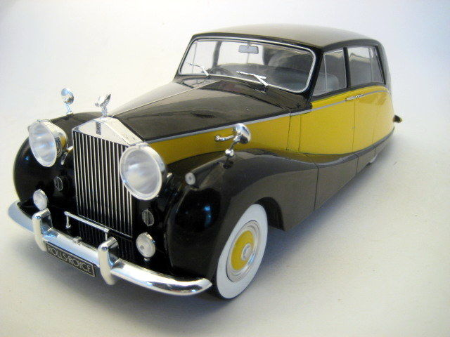 MCG - Scale 1/18 - Rolls Royce Silver Wraith Empress by Hooper