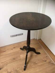 Oak till-top wine table - circa 1880