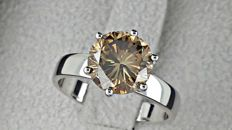 2.74 ct  VS2 round diamond ring made of 14 kt white gold - size 7