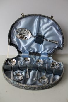"7 piece dessert set in original ""shell"" scabbard, silver plated - United Kingdom - A1 quality - ca 1940"