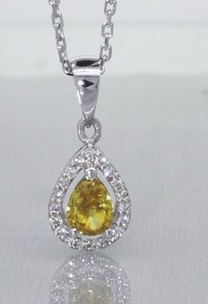 Necklace with pear shaped natural fancy colour cut diamond with IGI certificate & 19 diamonds of 0.57 ct in total ###Comes with IGI certificate -- Free shipping###