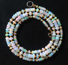 Necklace of Welo fire opals - 14 kt gold clasp - 30 ct, Total length 51.5 cm.