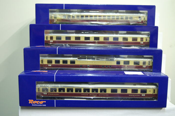 Roco H0 - 45924 - 4 piece TEE-Rheingold passenger coaches of the DB