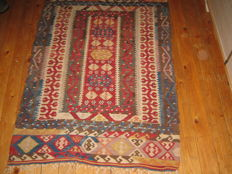 Kilim from Denizli of size 133 x 90 cm