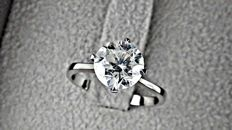 2.02 ct E/SI1 round diamond ring made of 18 kt white gold - size 6,5