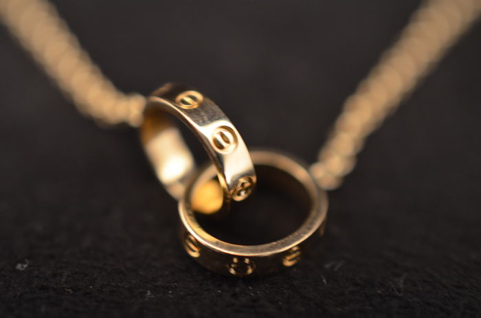 cartier love mini necklace in 750 000 yellow gold weight 7 g