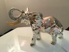 Unknown designer - large statue depicting an elephant, covered in silver foil