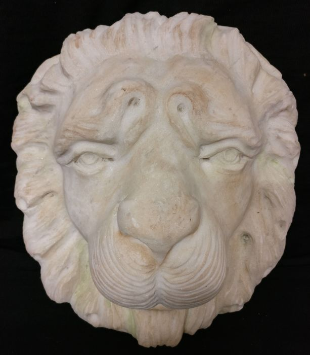 Carrara white marble fountain mouth - Lion's head in high-relief - Italy, Venice - 21st century
