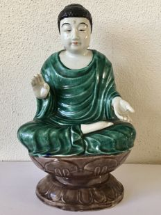 Porcelain green Glazed Monk sitting on double Lotus Throne - China - second half 20th century