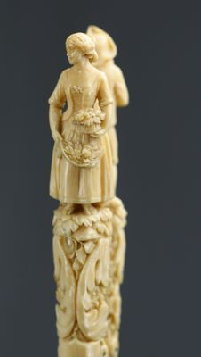Clamp in ivory of Dieppe finely sculpted with characters - France circa 1800