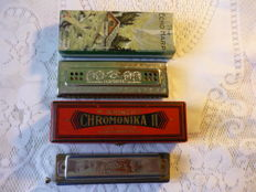 M. Hohner, The Echo Harp C/G major and Chromonika ll C, lot with two harmonicas, made in Germany, in original packaging