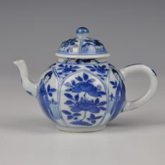 A blue and white, porcelain teapot, Kangxi period, Yu marked - China