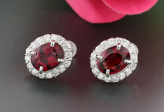 A pair of brilliant tourmaline earrings 5.02ct in total, 750 white gold