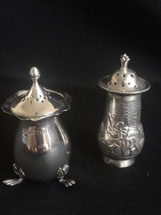Two silver antique pepper / salt shakers , Birmingham 1916, George Nathan & Ridley Hayes
