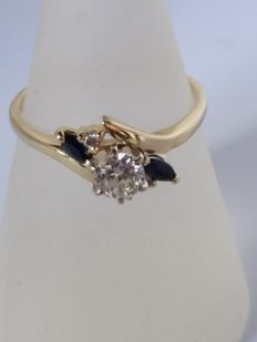 Ring with 0.55 ct diamonds and 0.10 ct sapphires - size: 18 mm