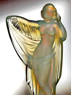 Sabino - 'Venus au Voile' - opalescent Art Deco glass female nude