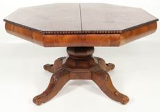 Mahogany extending dining table with tabletops - The Netherlands - circa 1840