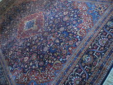 TABRIZ FROM AN ART AND ANTIQUE MARKET 270x360 cm