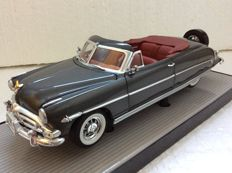 Highway 61 Collectibles - Scale 1/18 - 1952 Hudson Hornet Convertible - Grey