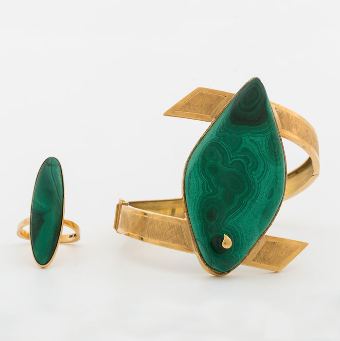 18 kt bangle bracelet & ring with Malachite from Sweden.