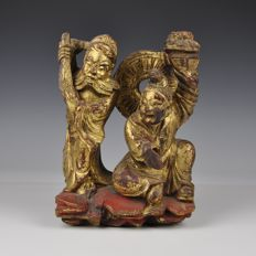 Two gold varnished wooden figures Immortals? – China - approx. 1900