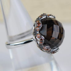 Cocktail ring with 15.01 ct smoky topaz and 0.90 ct orange brown diamonds - size 7.25/55/17.5